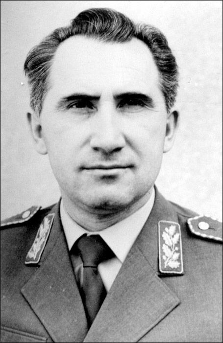 Народни херој Војин Војиновић (1922-1999)